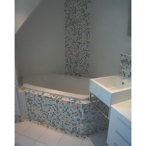 Badkamer Hilvarenbeek Appiani mozaiek met witte tegels