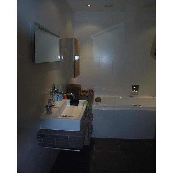 Badkamer amstelveen badkamer ontwerp idee n voor uw huis samen met meubels die het - Badkamer betegeld ...