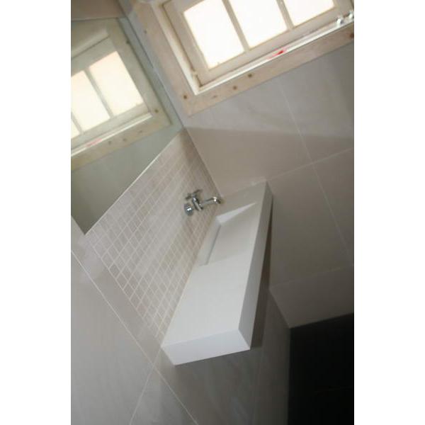 Toilet maastricht corian fontein met kraan uit muur - Muur wc ...