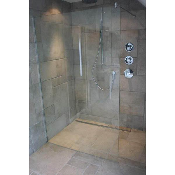Pin grote inloopdouche in kleine badkamer badkamers voorbeeldennl on pinterest inloopdouche - Douche italiaans ontwerp ...