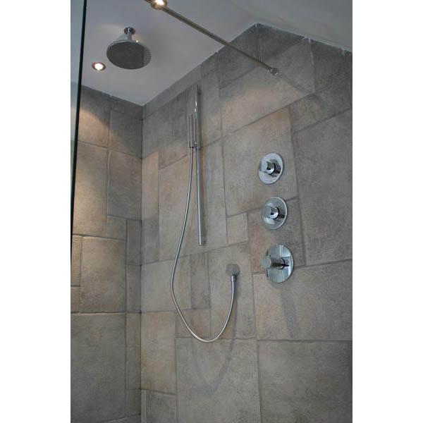 Badkamer met vrijstaand Starck bad en grote inloopdouche